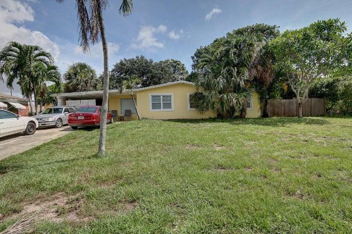 2059 Pleasant Drive, North Palm Beach, FL 33408
