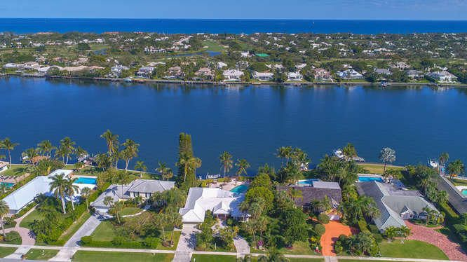 11844 Lake Shore Place, North Palm Beach, FL 33408