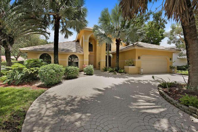 2085 Augusta Terrace, Coral Springs, FL 33071