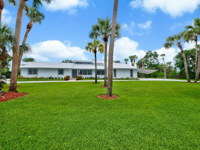 38 Pine Trail, West Palm Beach, FL 33415