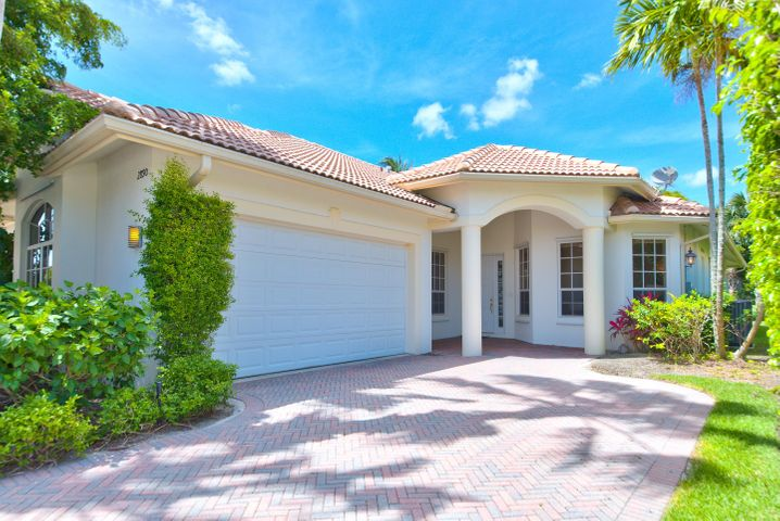 2890 Twin Oaks Way, Wellington, FL 33414