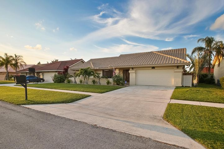 9601 Majestic Way, Boynton Beach, FL 33437