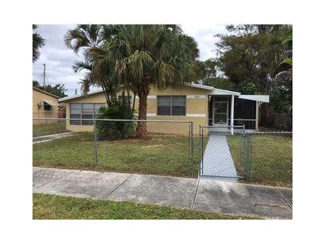 860 NW 34th Terrace, Lauderhill, FL 33311