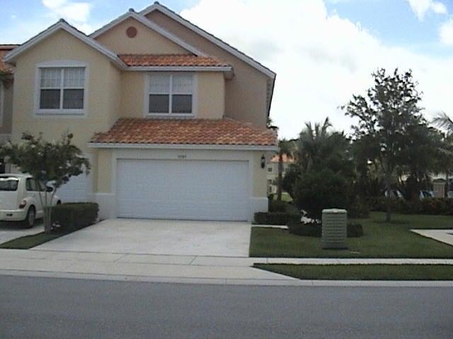 1091 Pinewood Lake Court, Greenacres, FL 33415