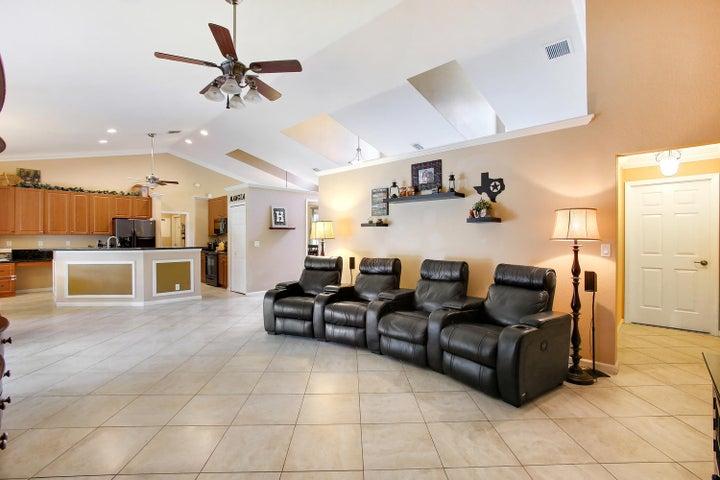 16891 Valencia Boulevard, Loxahatchee, FL 33470