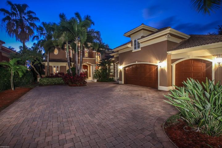 18980 SE County Line Road, Tequesta, FL 33469