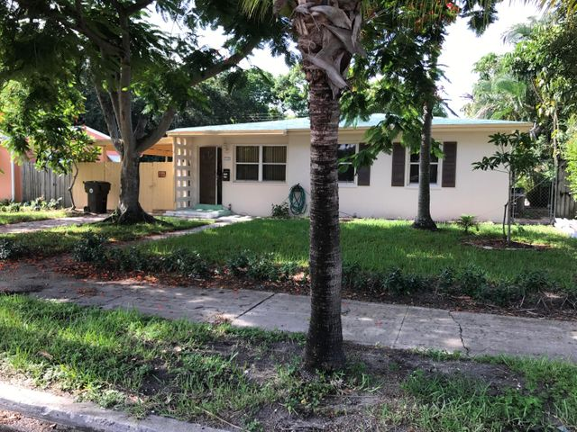 1025 Bradley Court, West Palm Beach, FL 33405