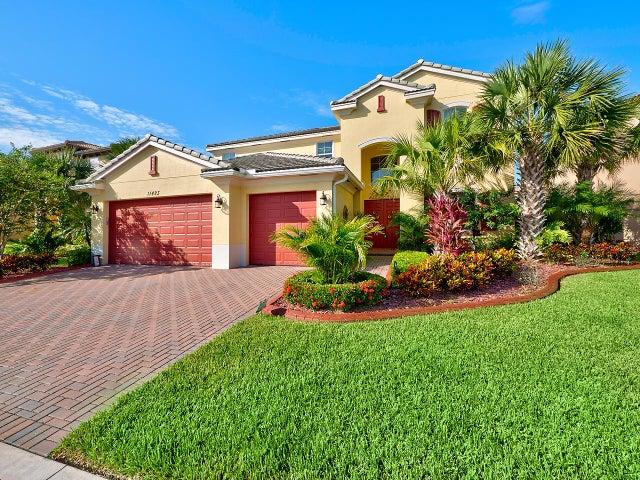 11423 SW Fieldstone Way, Port Saint Lucie, FL 34987