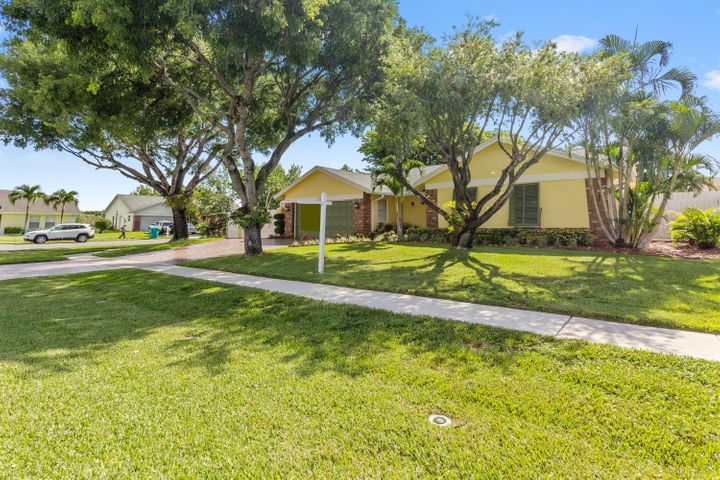 1242 Northwest 10th Court, Boynton Beach, FL 33426