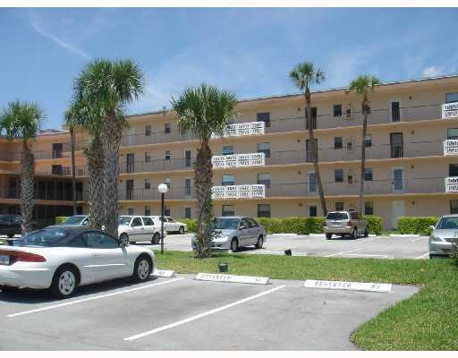 9355 SW 8th Street, 307, Boca Raton, FL 33428