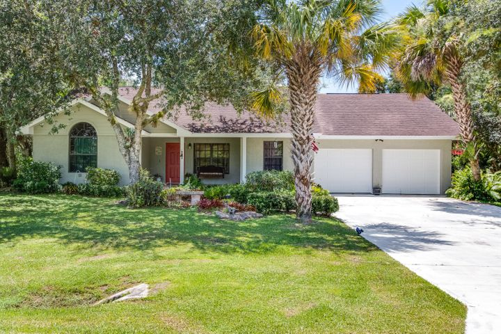 16184 SW Pineview Avenue, Indiantown, FL 34956