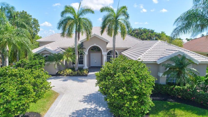 8272 Desmond Drive, Boynton Beach, FL 33472