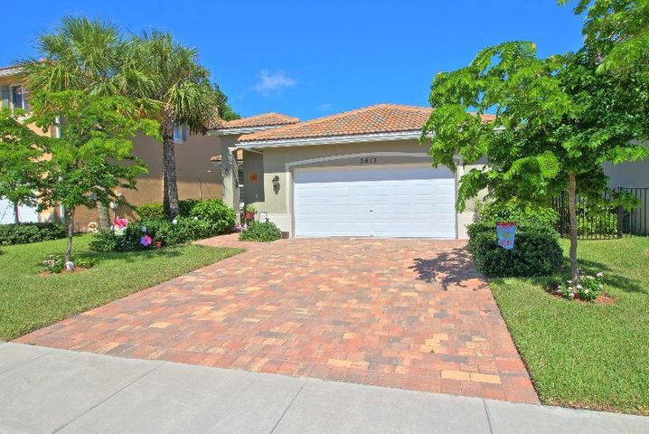 5613 Carnday Palm Dr, Greenacres, FL 33463