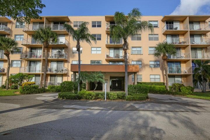 500 Executive Center Drive, 1b, West Palm Beach, FL 33401
