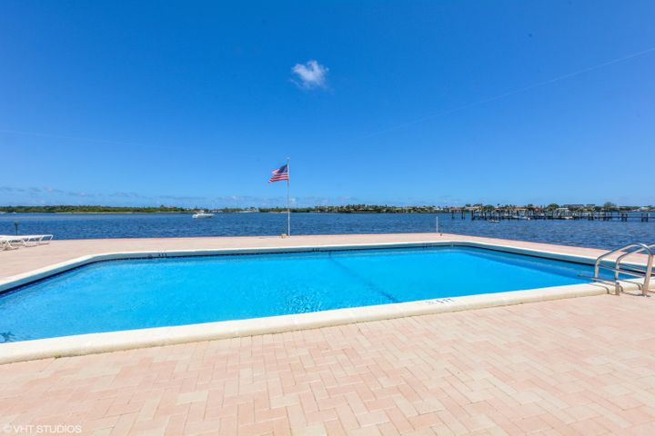 Pool on the Intracoastal