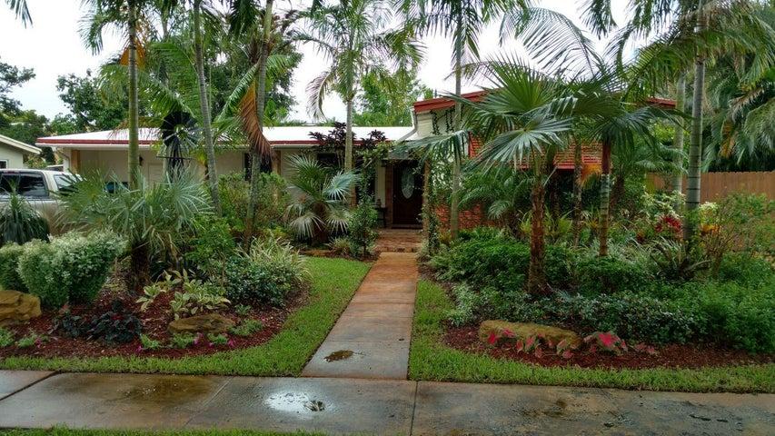 1136 SW 49th Terrace, Plantation, FL 33317