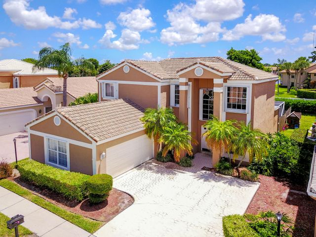 5 bedroom in Gated Community of 50 homes