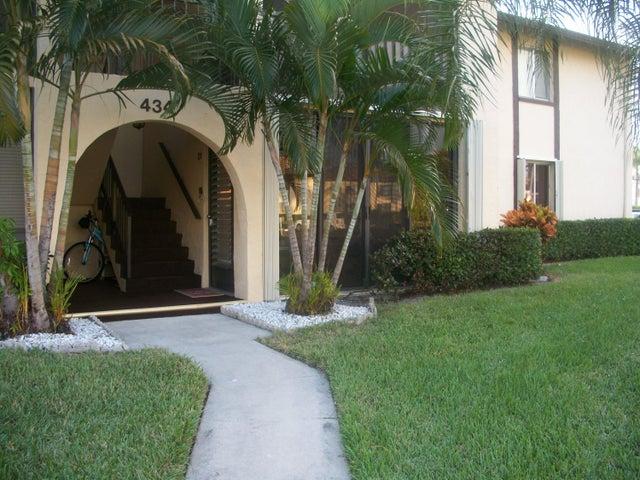 434 Pine Glen Lane, D-1, Greenacres, FL 33463