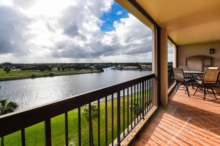 356 Golfview Road, 607, North Palm Beach, FL 33408