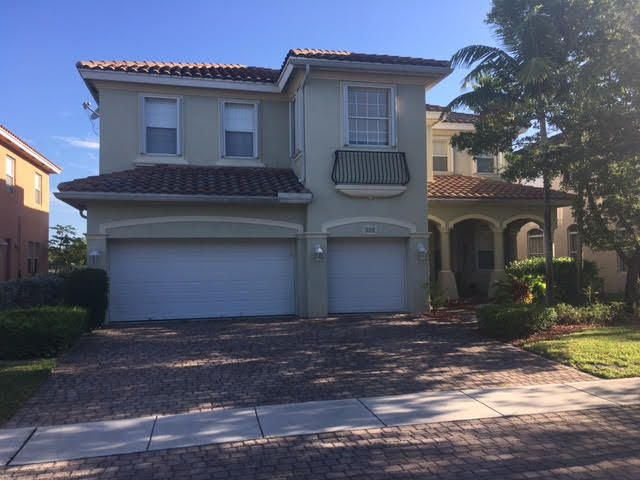 628 Cresta Circle, West Palm Beach, FL 33413