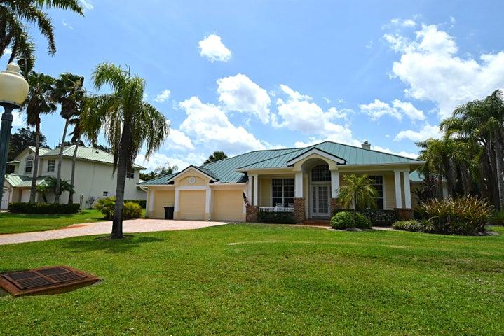 3756 SE Bent Banyan Way, Stuart, FL 34997