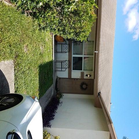4553 Arthur Street, Palm Beach Gardens, FL 33418