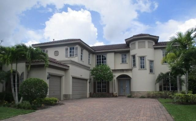 3342 Lago De Talavera, Lake Worth, FL 33467