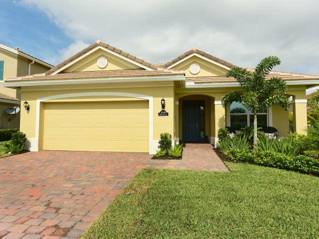10080 SW Roehampton Court, Port Saint Lucie, FL 34987