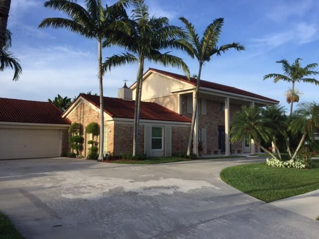 946 S Patrick Circle, West Palm Beach, FL 33406
