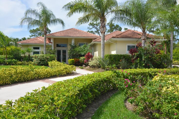 9439 Meadowood Drive, Fort Pierce, FL 34951