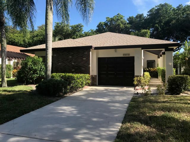 4716 Boxwood Circle, Boynton Beach, FL 33436