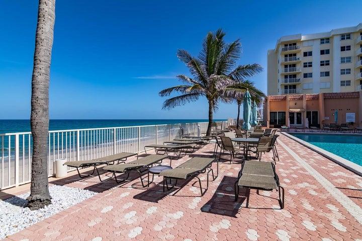 3520 S Ocean Boulevard, H305, South Palm Beach, FL 33480