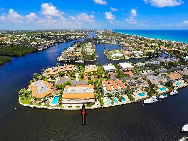 DIRECT WATERFRONT WITH BOAT DOCK