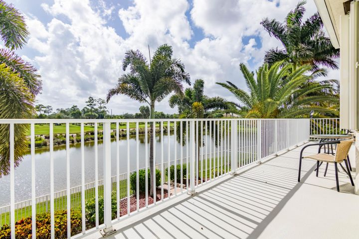 2281 Ridgewood Circle, Royal Palm Beach, FL 33411