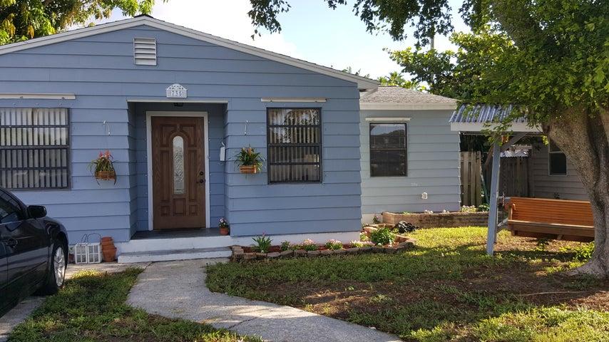 735 Palmetto Street, West Palm Beach, FL 33405