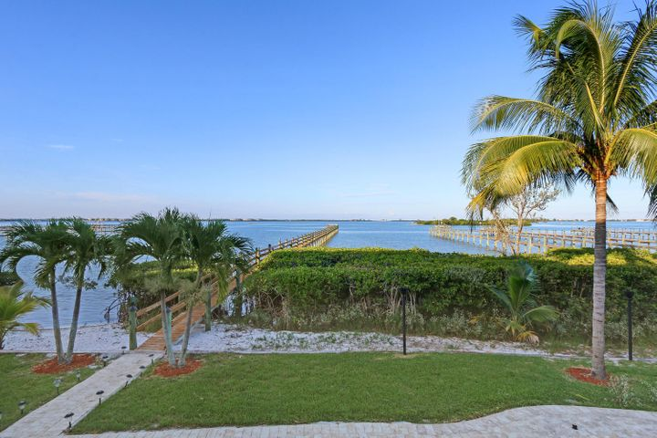 14 Herons Nest, Sewalls Point, FL 34996