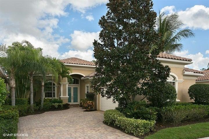 118 Bianca Drive, Palm Beach Gardens, FL 33418