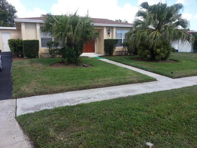 529 Clear Lake Avenue, West Palm Beach, FL 33401