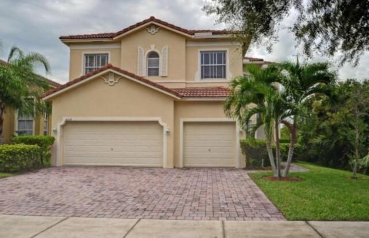 6218 Arlington Way, Fort Pierce, FL 34951