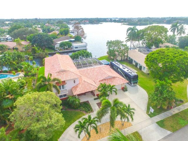 802 SW 36th Avenue, Boynton Beach, FL 33435