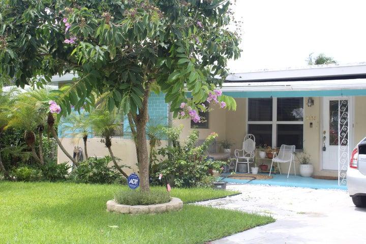 1415 N Palmway, Lake Worth, FL 33460