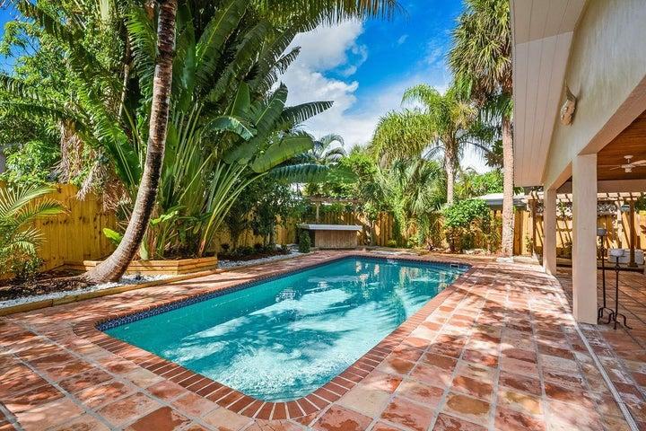 850 E Park Drive, Boca Raton, FL 33432