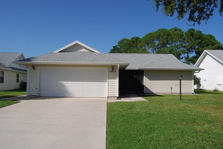 3852 SE Canvas Back Place, Stuart, FL 34997
