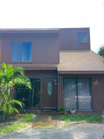 9015 Green Meadows Way, Palm Beach Gardens, FL 33418