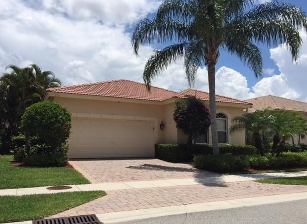 104 Via Condado Way, Palm Beach Gardens, FL 33418