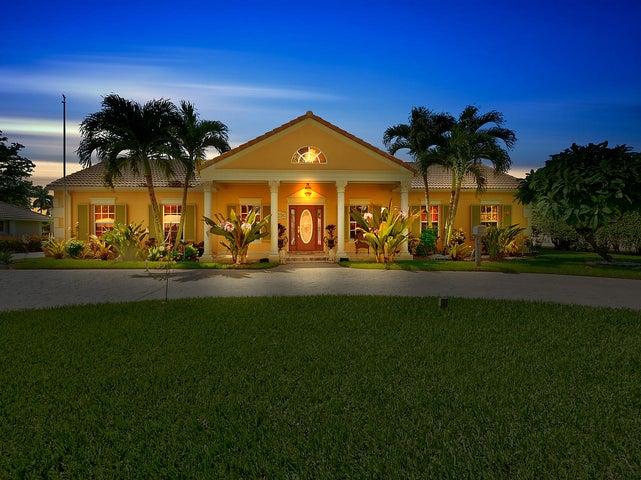 209 N Country Club Drive, Atlantis, FL 33462