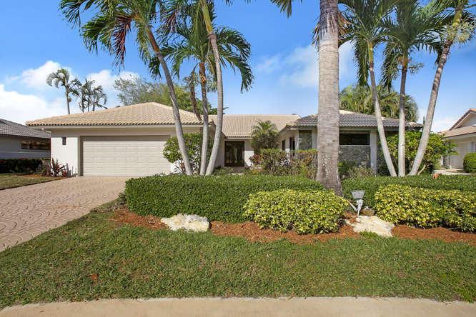 16852 Silver Oak Court, Delray Beach, FL 33445