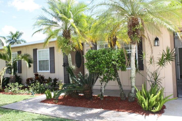 432 La Mancha Avenue, West Palm Beach, FL 33411