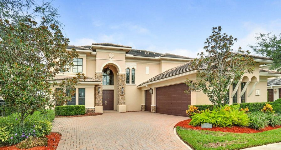 8951 Equus Circle, Boynton Beach, FL 33472