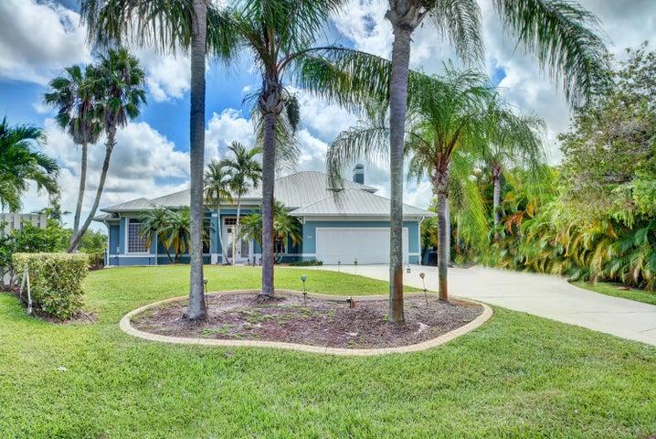 804 SE Portage Avenue, Port Saint Lucie, FL 34984